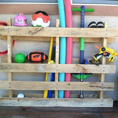 Ideas y fotos de terraza y jard n de estilo infantil para - Ideas almacenaje juguetes ...