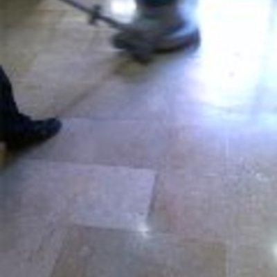 Abrillantado suelo de marmol