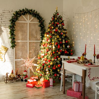 Qué no puede faltar en tu árbol navideño