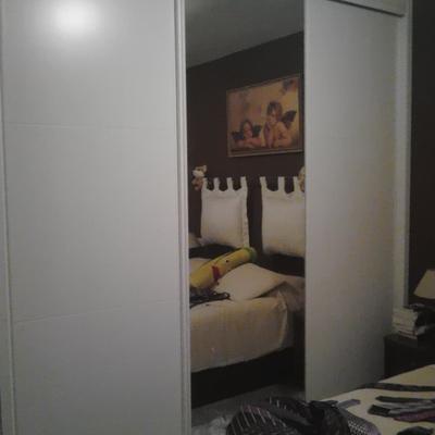 Armarios de puertas abatibles trasformados en corredera, Córdoba