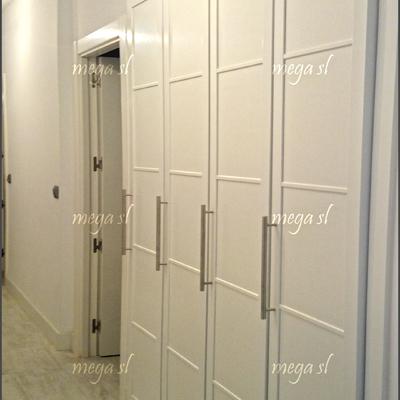 Ideas de cambiar puertas para inspirarte habitissimo - Puertas abatibles para armarios empotrados ...