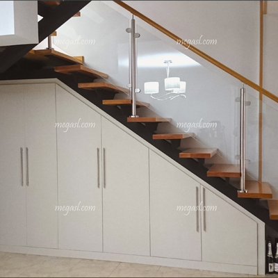 Ideas de hacer armario a medida en madrid para inspirarte - Armario bajo escalera ...