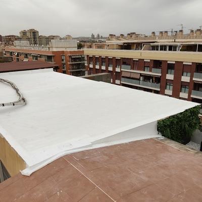 Impermeabilización de dos cubiertas en ático sobre panel sandwich ( Murcia)