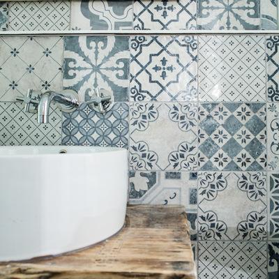 Presupuesto azulejos ba o en barcelona ciudad online for Precio de azulejos de bano