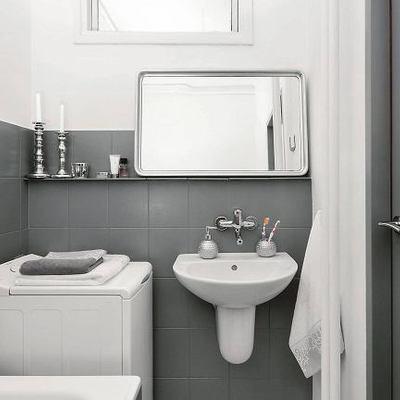 5 baños antes y después de pintar sus azulejos