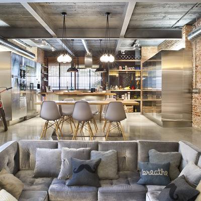 Bajo comercial convertido en loft (Terrassa)