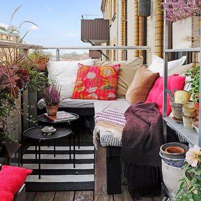 7 balcones veraniegos que te harán olvidar que estás en la ciudad