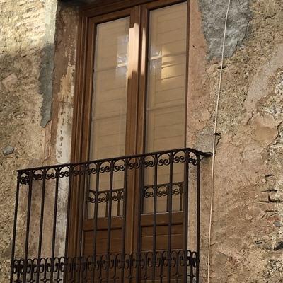 VENTANAS DE PVC CON PORTICONES EN PORRERA (Tarragona)