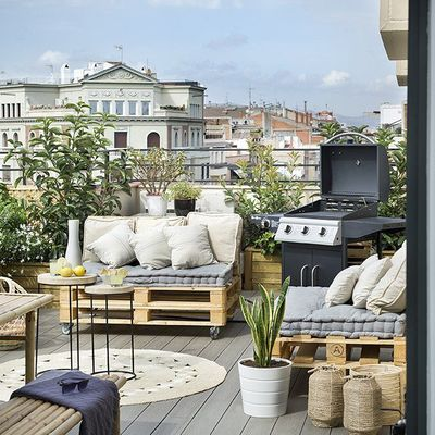 5 detalles low cost que revitalizarán tu balcón
