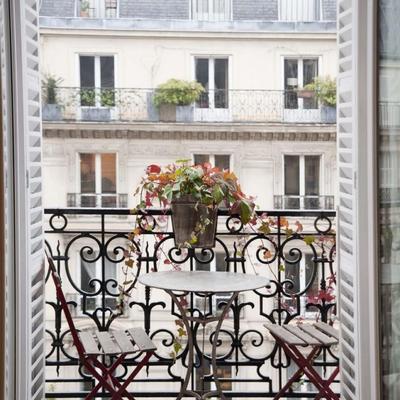 balcón sillas forja