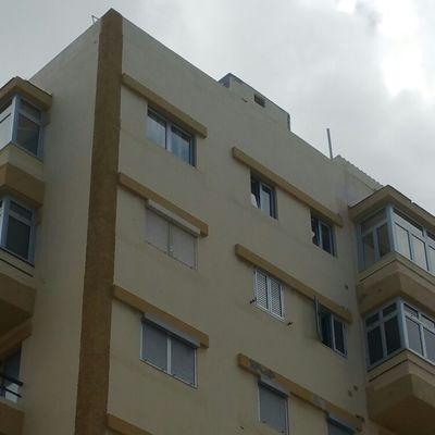 Cerramiento de balcones con accesorios color plata