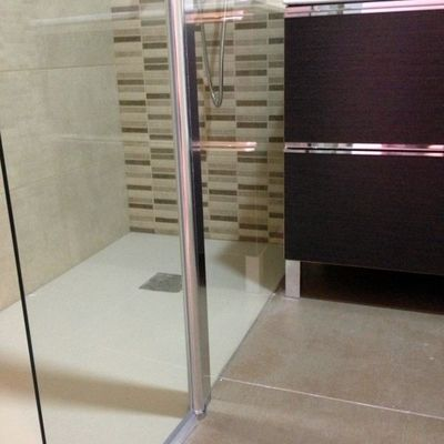 Cambio de bañera por plato de ducha enrasado