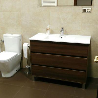Reforma integral de cocina, baño y aseo.