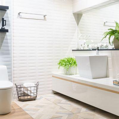 7 baños sin ventanas que lograron lucir al máximo