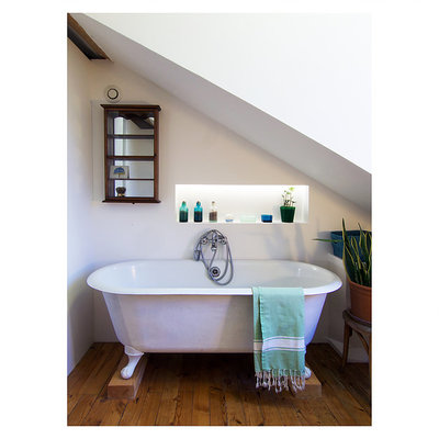 baño con bañera de fundición