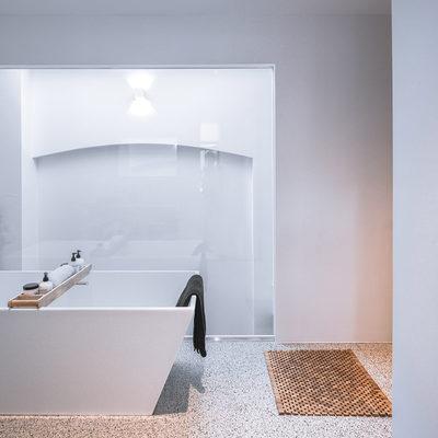 Un interior elegante, fresco y holgado