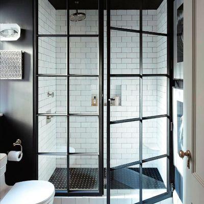 baño con cristalera