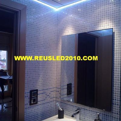 baño con iluminacion led