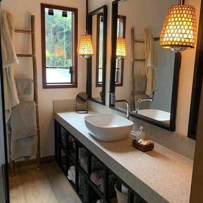 4 formas de iluminar tu baño