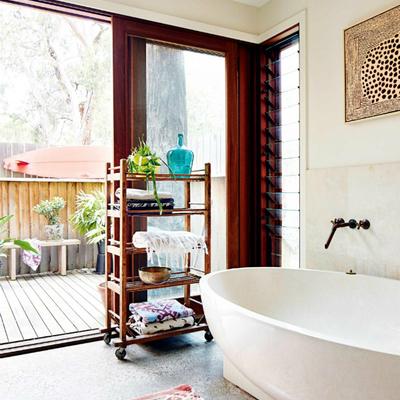 Baño con ventanal