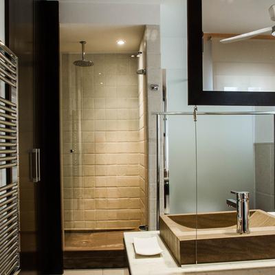 Baño integrado en dormitorio