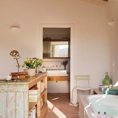 Regálate un baño romántico y desconecta de la rutina