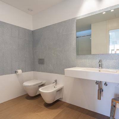 Baño simple y minimalista