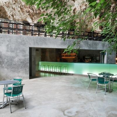 Bar en las Cuevas dels Hams: todo al verde