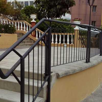 Baranda de escenario para Plaza del Barrio : La Carrera. Municipio de Los Realejos.