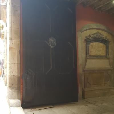 Pintado de puerta de entrada