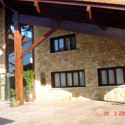 Ventanas Mixtas (madera-aluminio) en Bodega Iturralde