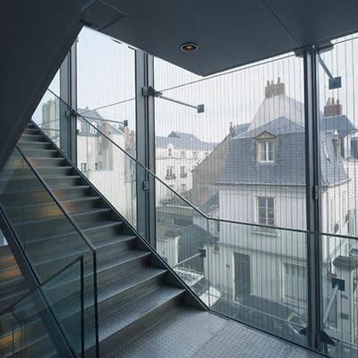Caja de escaleras acristalada