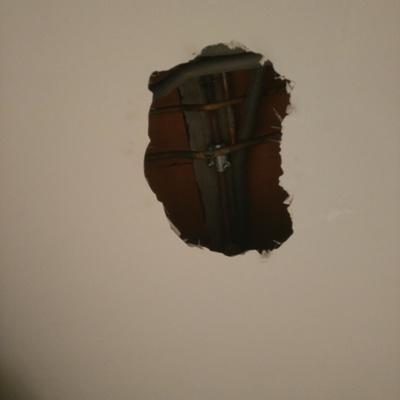 Reparación en techo de escayola