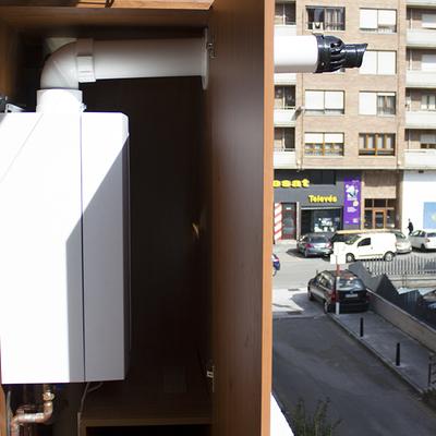 Instalación de una caldera de condensación WOLF en un piso de Torrelavega