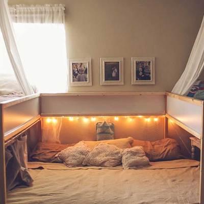 Tunean una cama de Ikea para que duerma toda la familia (son 7)