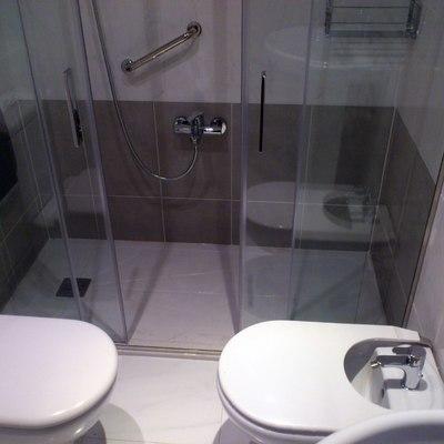 Presupuesto cambiar ba era por ducha sin obra en madrid - Quitar banera y poner plato de ducha ...