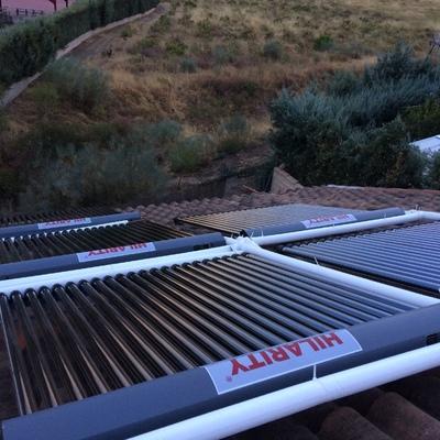 Instalación solar térmica para ACS y apoyo a calefacción en la Sierra Norte de Madrid.