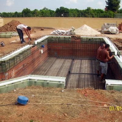 Canaleta para piscina desbordante