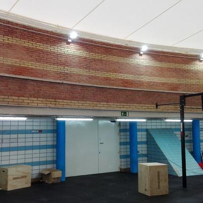 Instalación de iluminación Centro Mundial de Natación 86