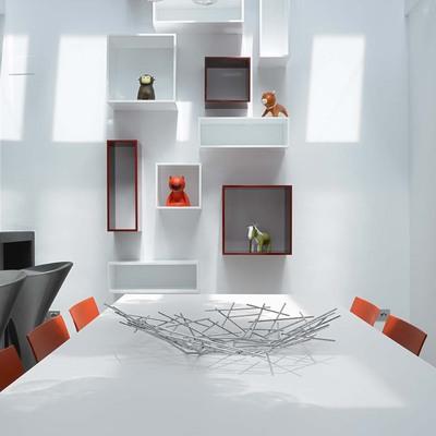 Casa JA: una vivienda minimalista y con detalles juguetones