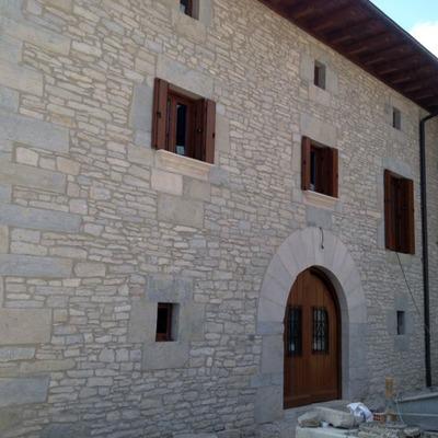 Presupuesto construir casa piedra online habitissimo for Hacer casas online