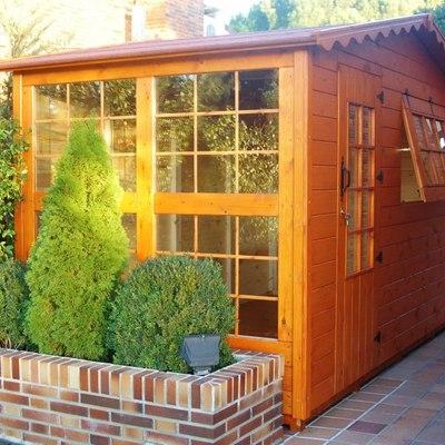Caseta de madera de 3.85x2.05 m. - urbanización monte alina. Pozuelo de alarcón (Madrid)