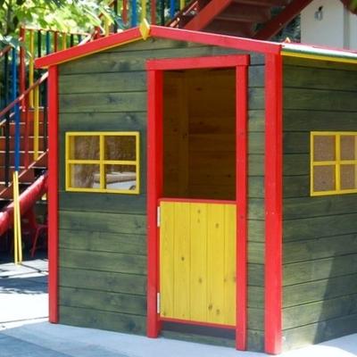 Caseta de madera infantil de 1.90x1.50 m. - Guardería Orgaz Nursery School de Madrid.