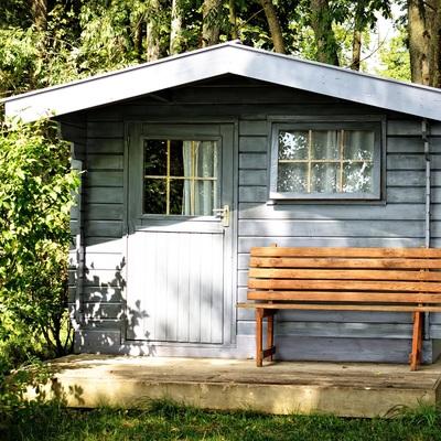 Consejos para realizar una buena reforma del techo de tu caseta de jardín
