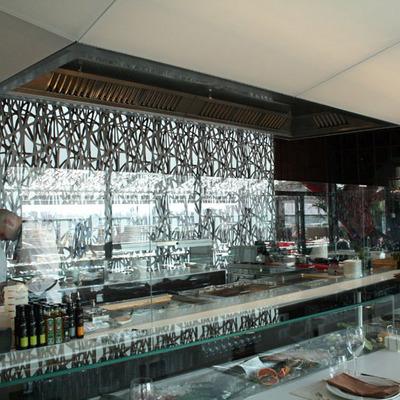 """Celosía Decodesk en restaurante Abrassame, pz. de toros """"Las Arenas"""", Barcelona"""