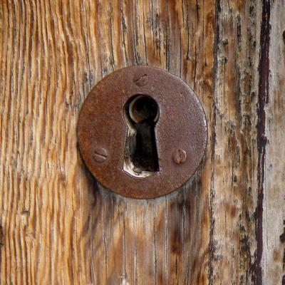 cerradura madera