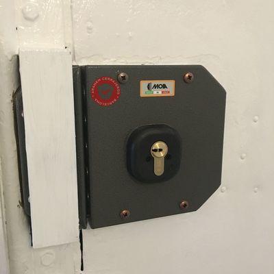 cambio cerradura gorjas a llave puntos alta seguridad