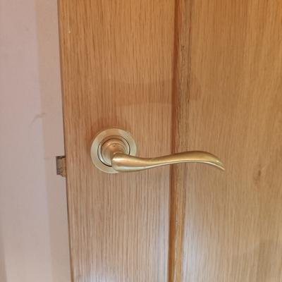 Apertura de puerta interior atascada