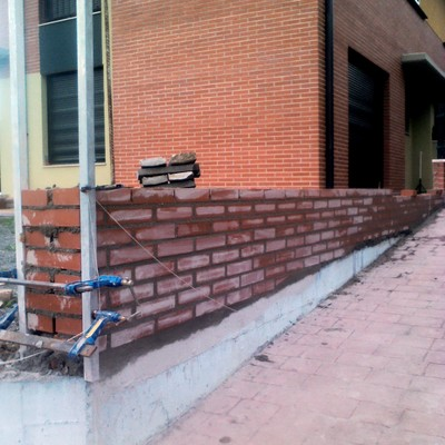 Precio construcci n muros habitissimo for Bloques de hormigon baratos