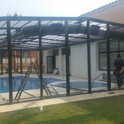 Cerramiento piscina climatizada del Hotel Clipper de Torroella de Montgrí